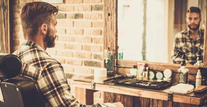 Applicazione lozione barba